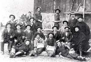 gruppo di emigrati pavanesi in Svizzera prima del 1910, lavoravano in un miniera di carbone